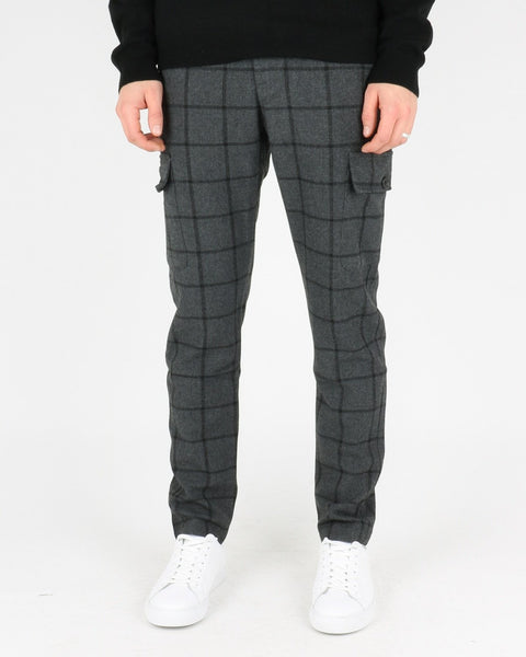 les deux_como wool check cargo pants_charcoal black_1_4
