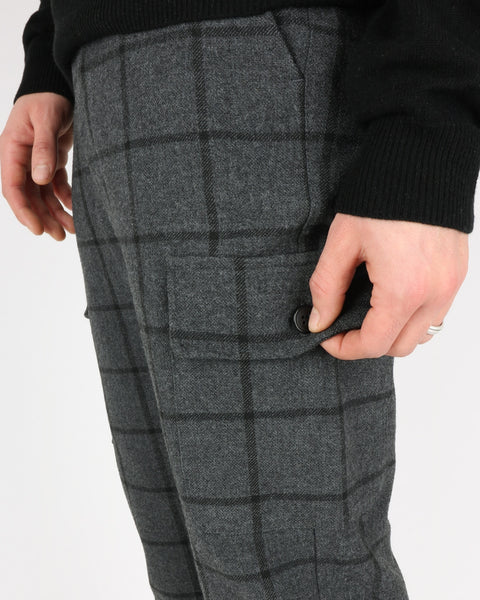 les deux_como wool check cargo pants_charcoal black_4_4