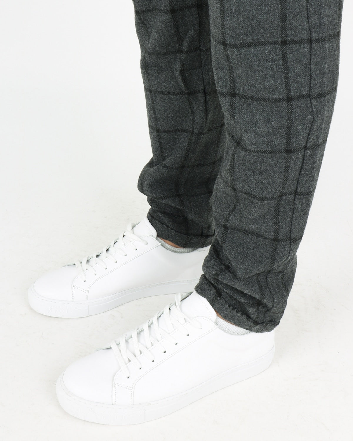 les deux_como wool check pants_charcoal black_3_4