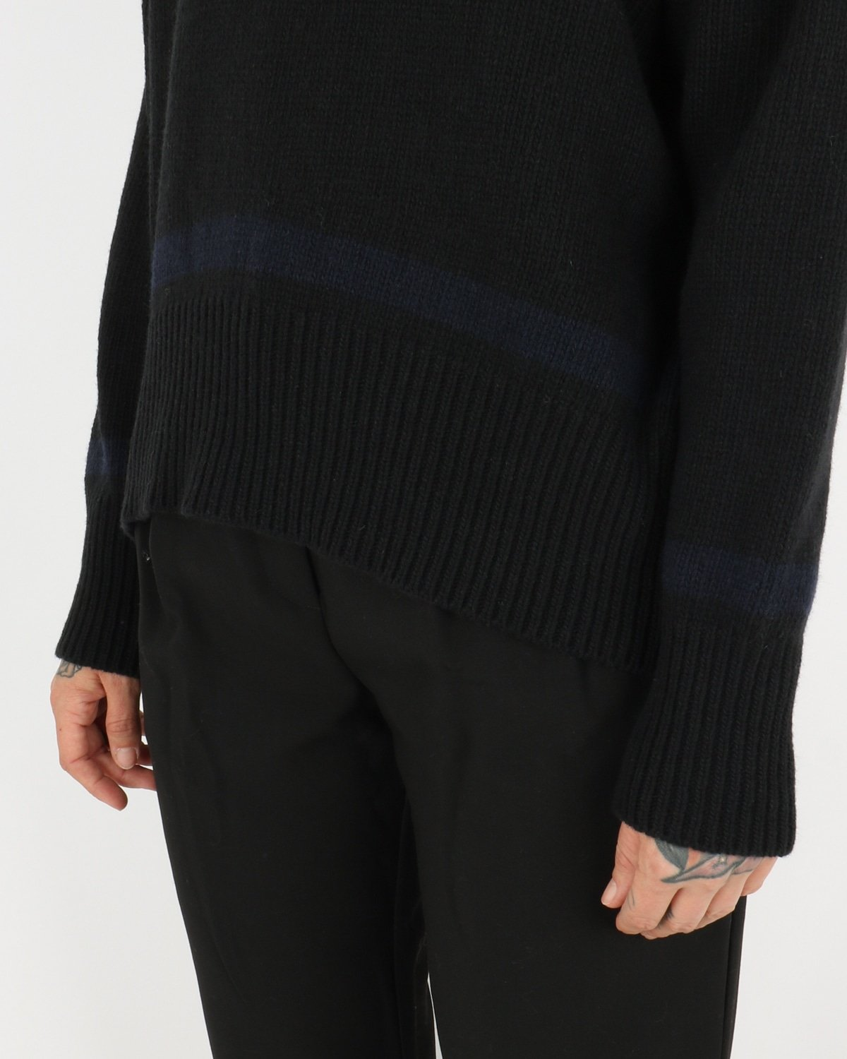 libertine libertine_husky knit_black blue_4_4