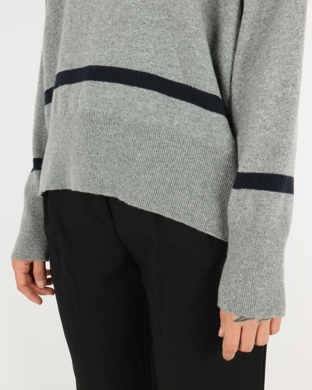 libertine libertine_husky knit_grey melange dark navy_4_4