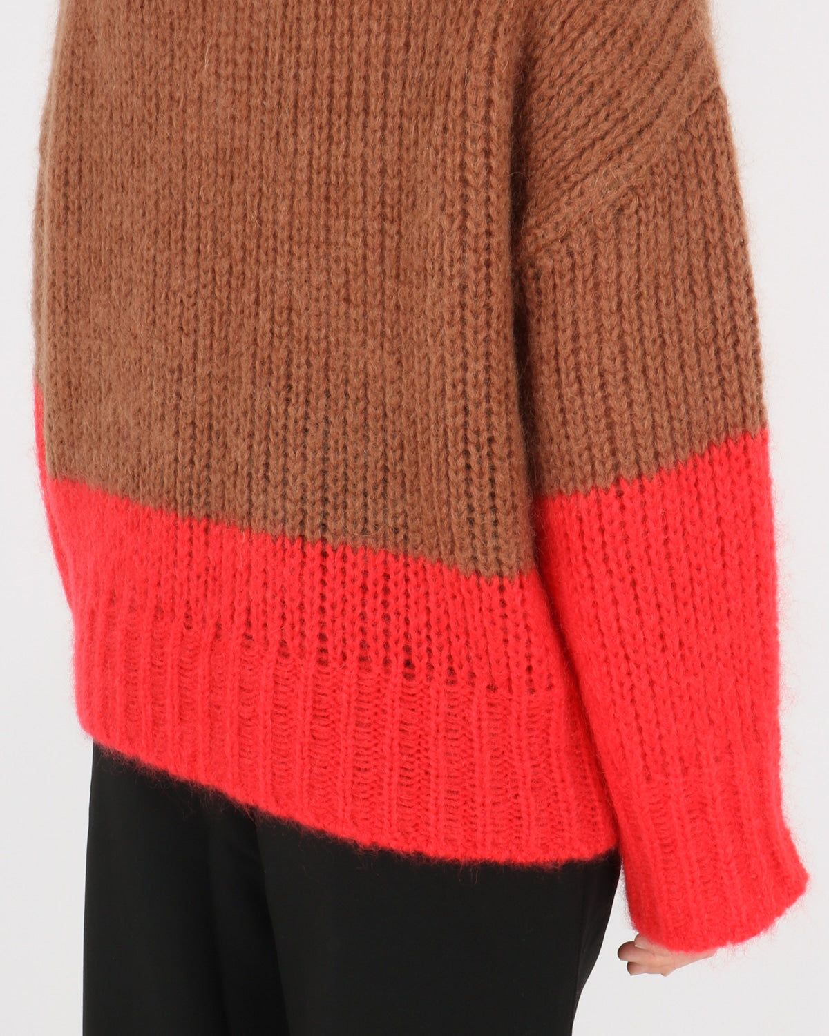 libertine libertine_pyros knit_camel bright red_3_4