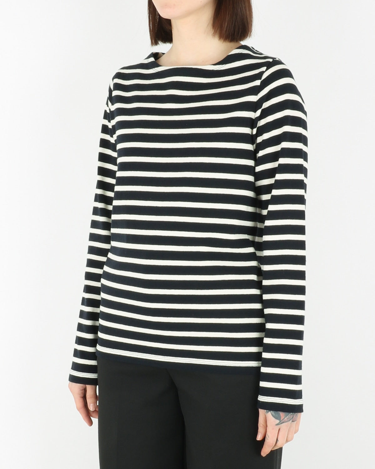 norse projects women_inge classic stripe_dark navy_view_2_2