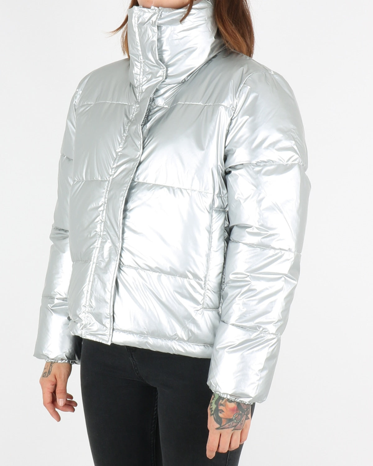 selfhood_puffer jacket 77126_silver_2_4