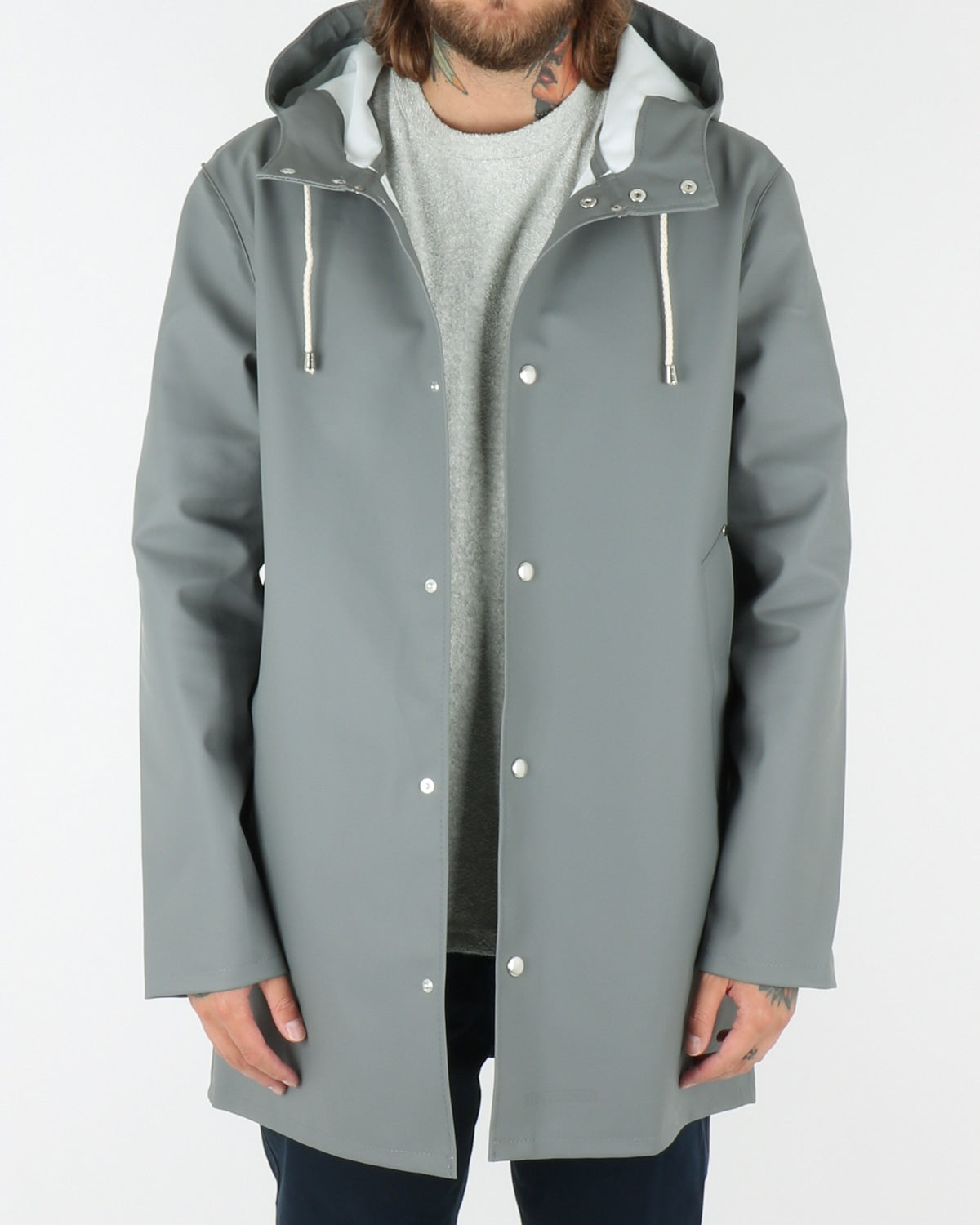stutterheim_stockholm_raincoat_grey_view_3_4