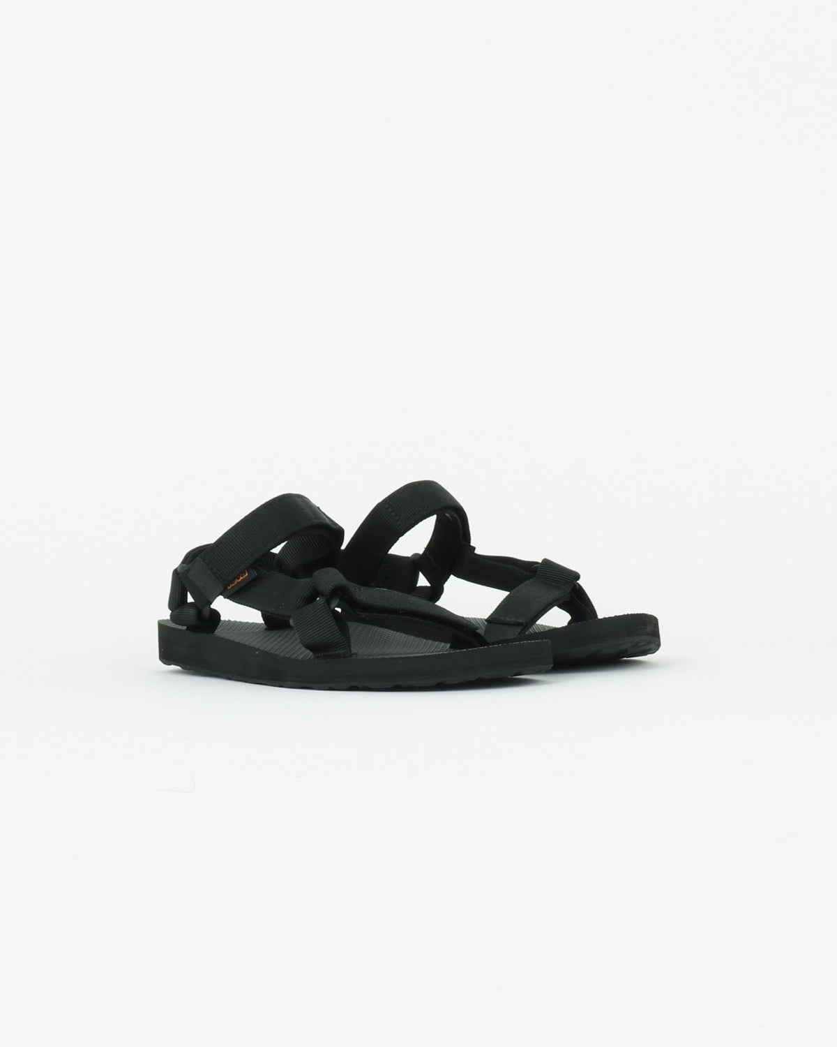 teva_original universal_black_wmn_view_2_3