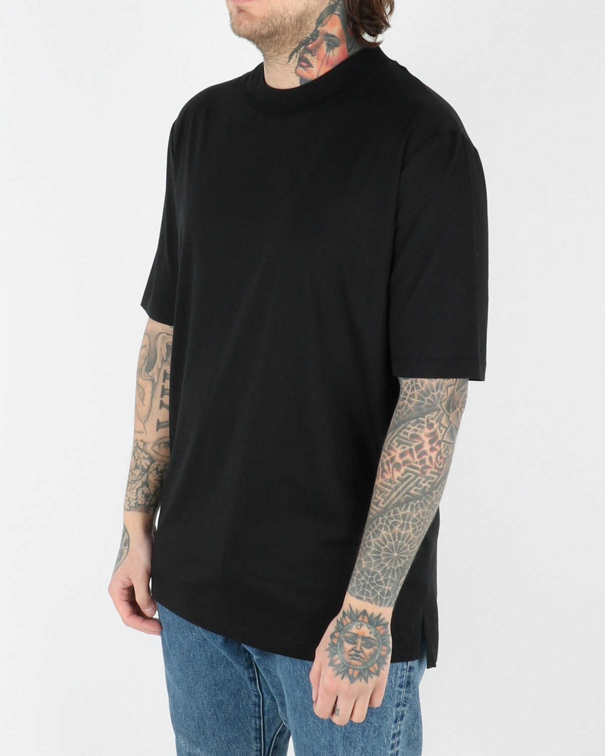 whyred_adham t-shirt_black_view_2_2