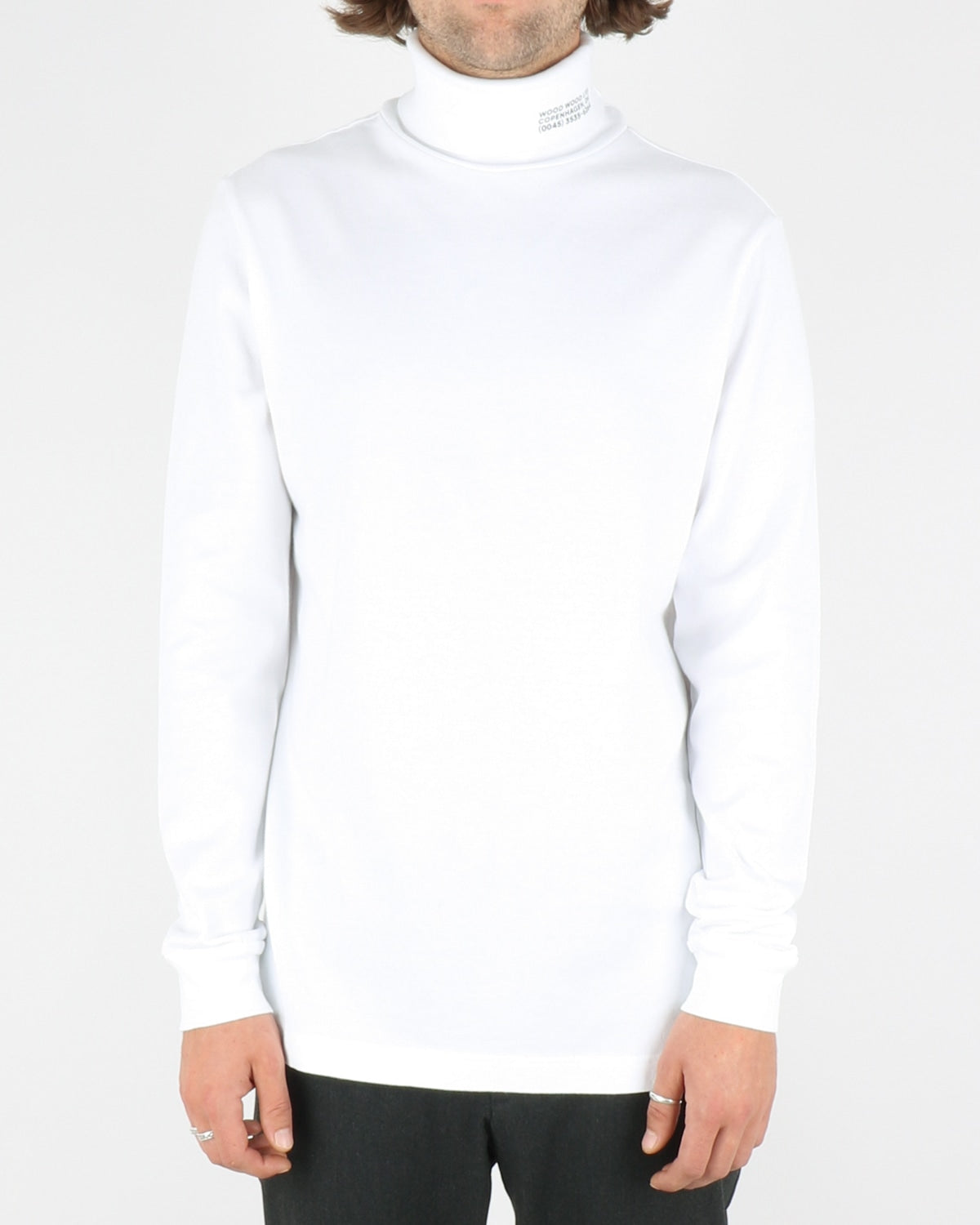 wood wood_austin turtleneck_bright white_1_4