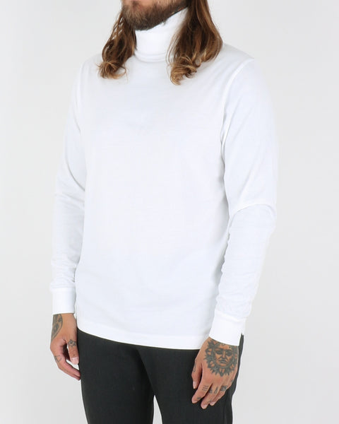 wood wood_austin turtleneck_bright white_view_2_3
