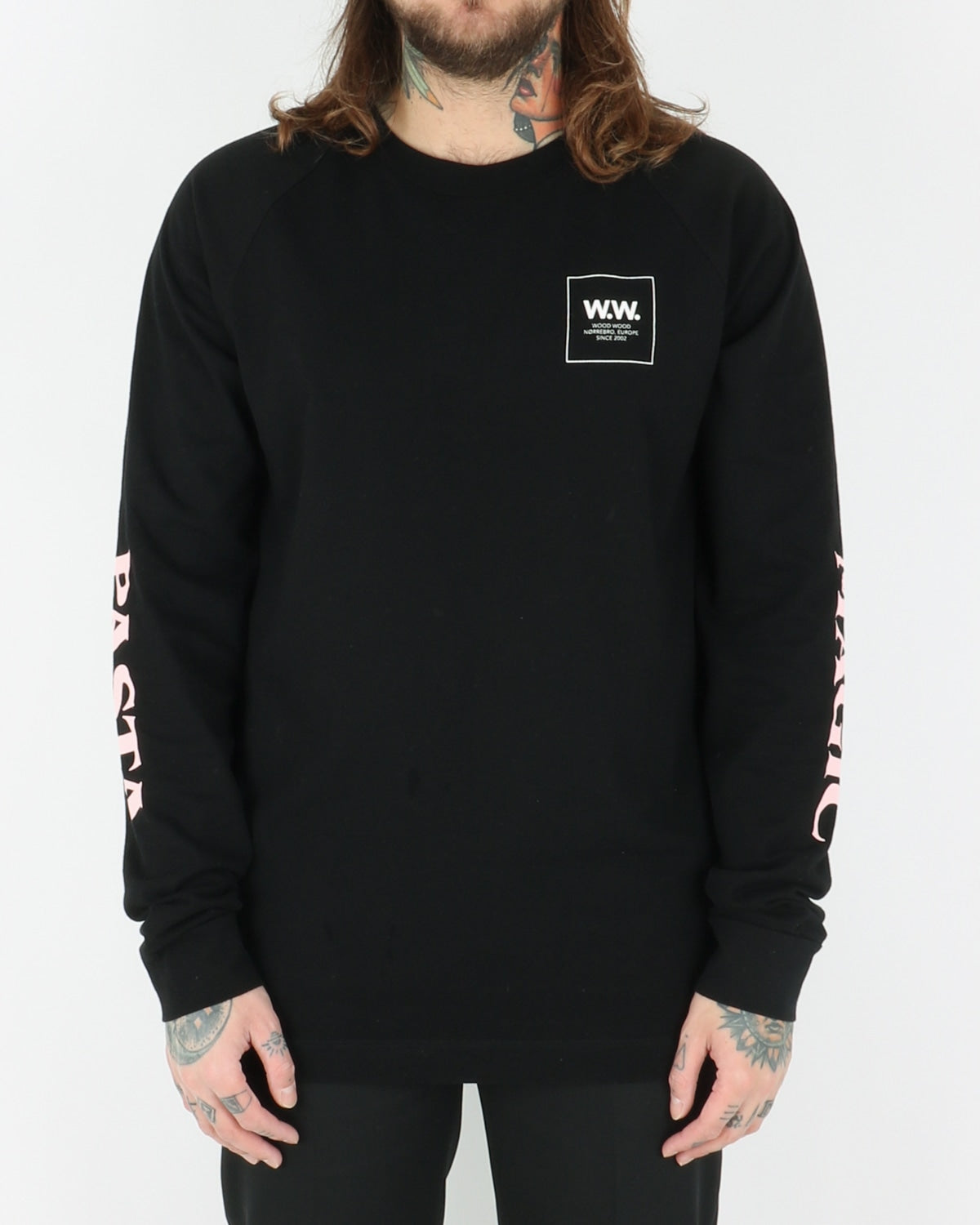 wood wood_han longsleeve_black_view_1_4