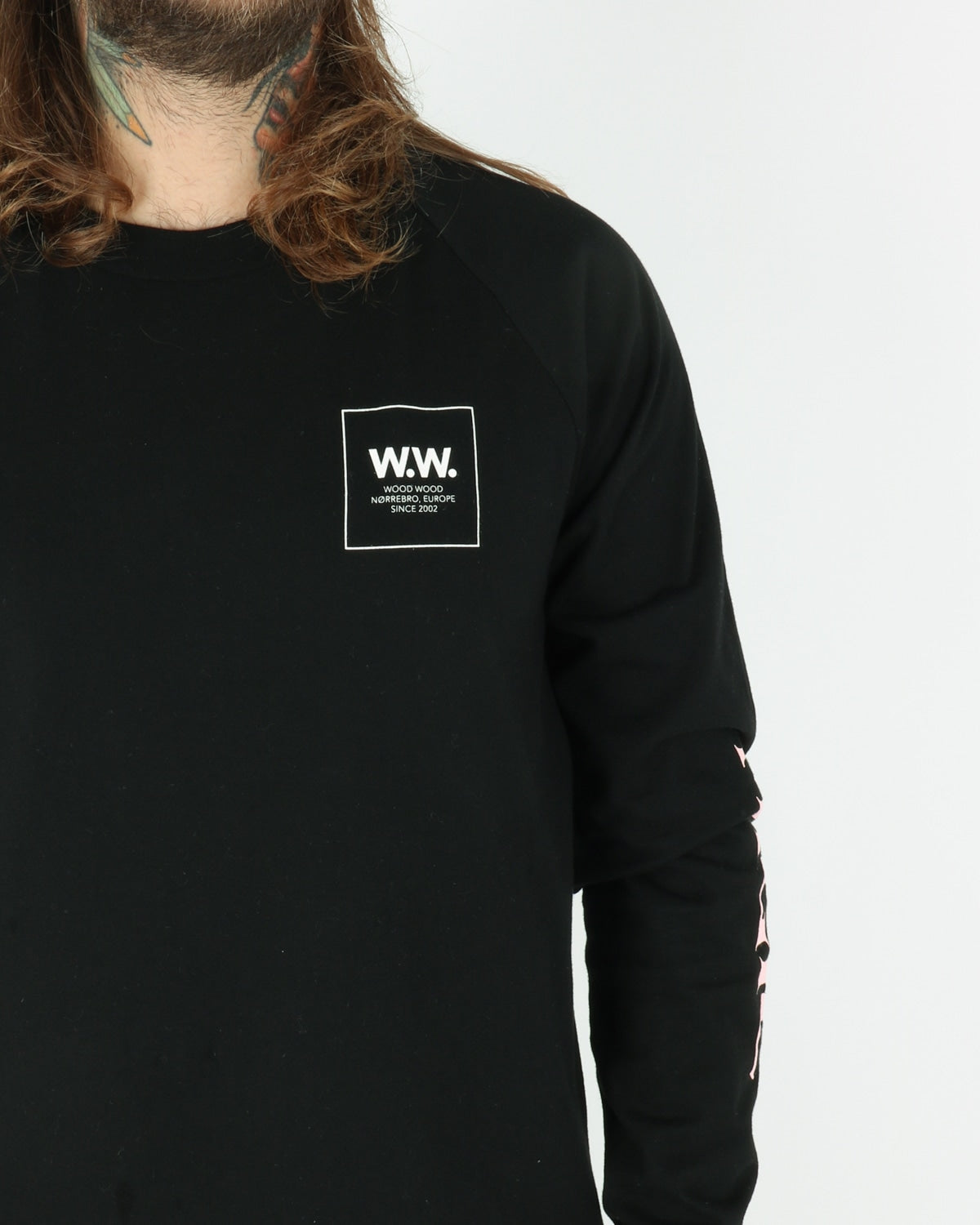 wood wood_han longsleeve_black_view_3_4