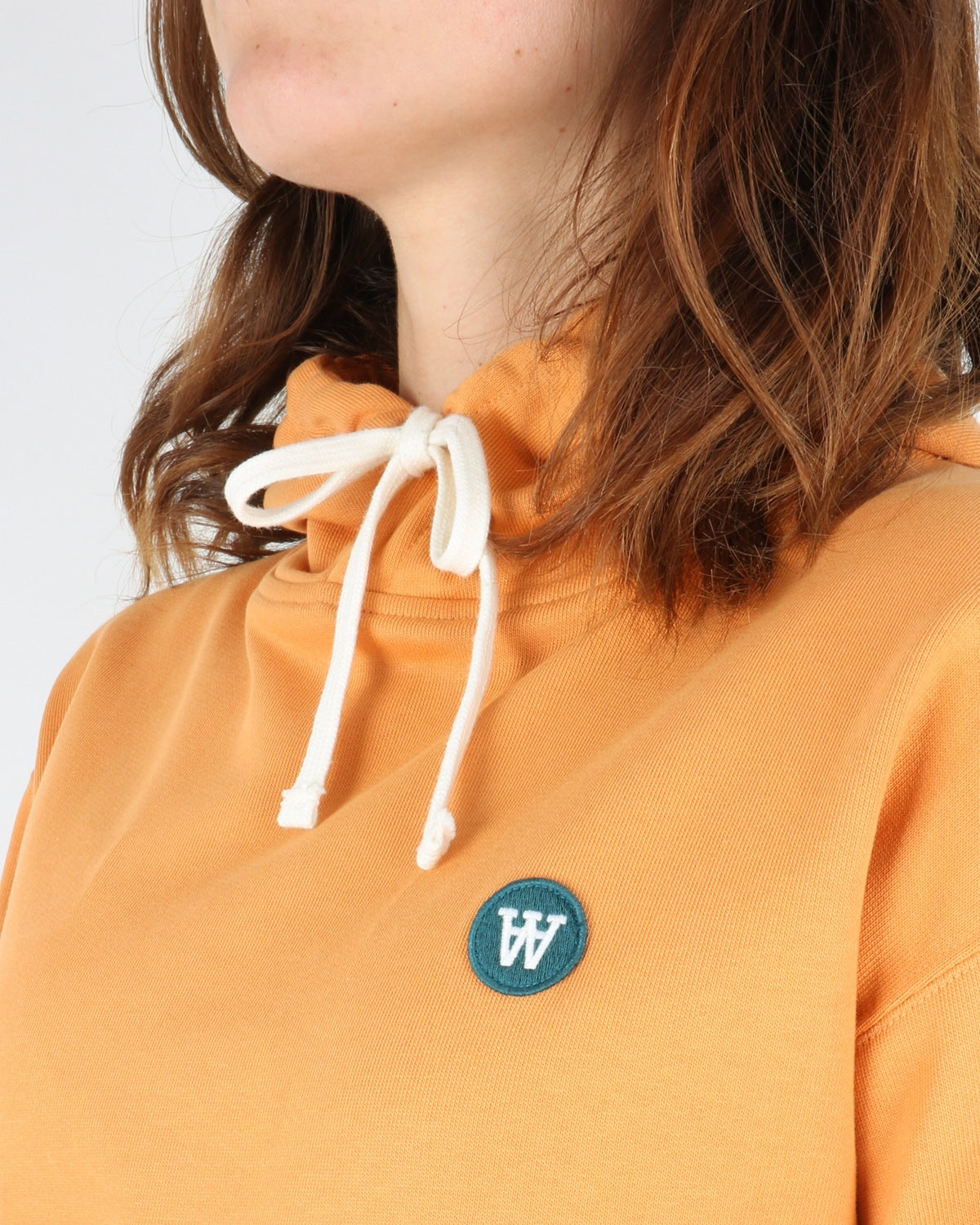 wood wood_jenn hoodie_orange_3_4