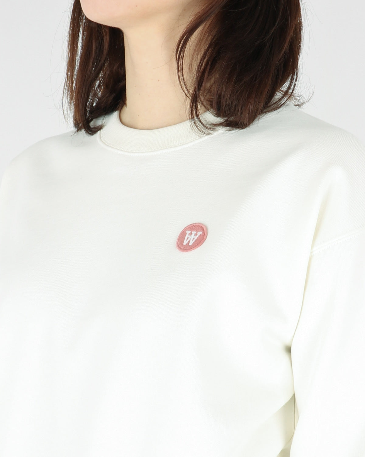 wood wood_jess sweatshirt_offwhite_view_3_3