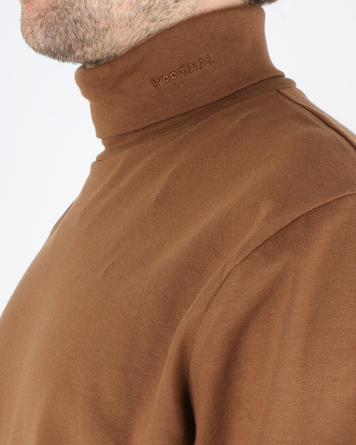 woodbird_amin turtleneck_brownie_2_4