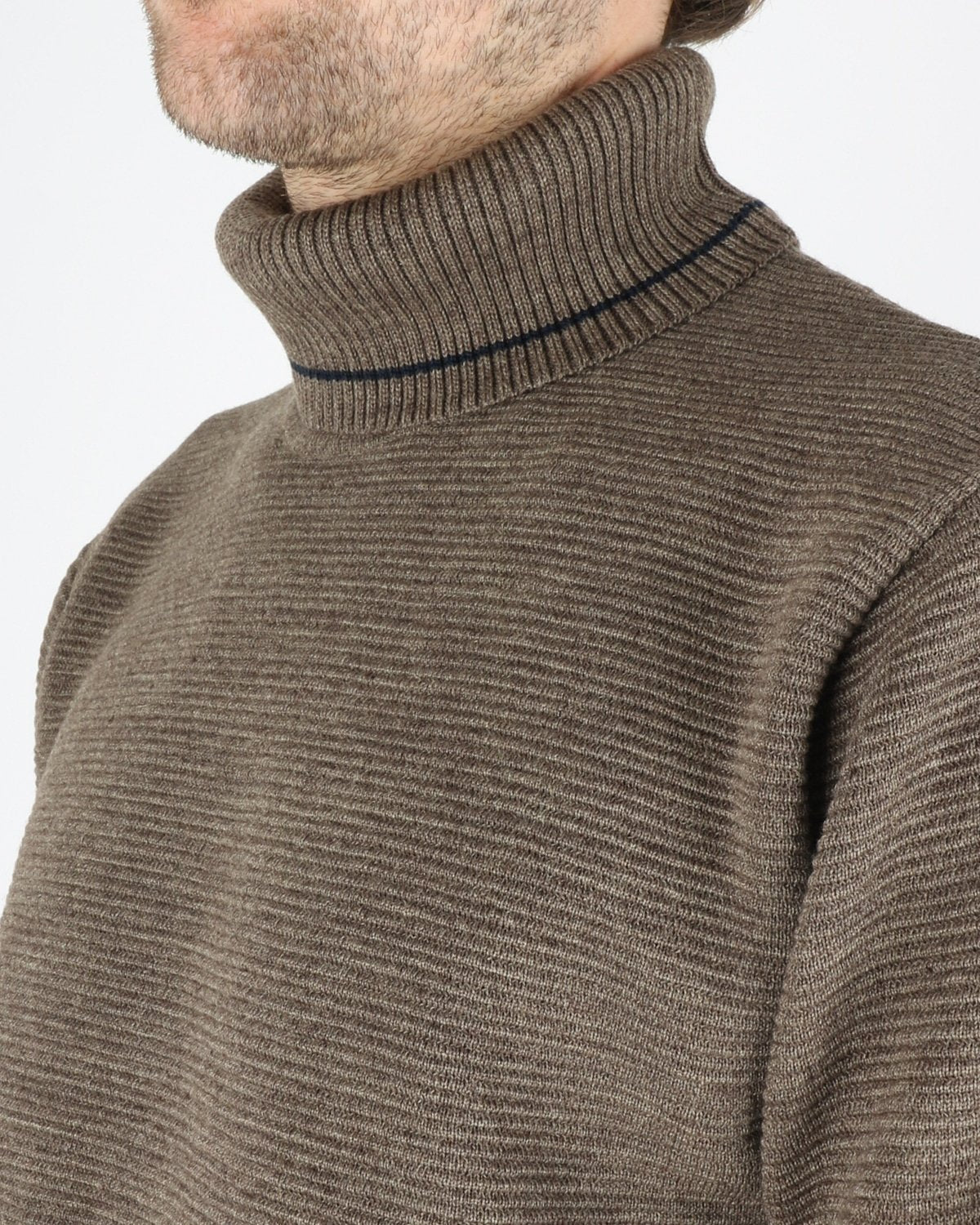 woodbird_craving otto turtle knit_forrest_3_4