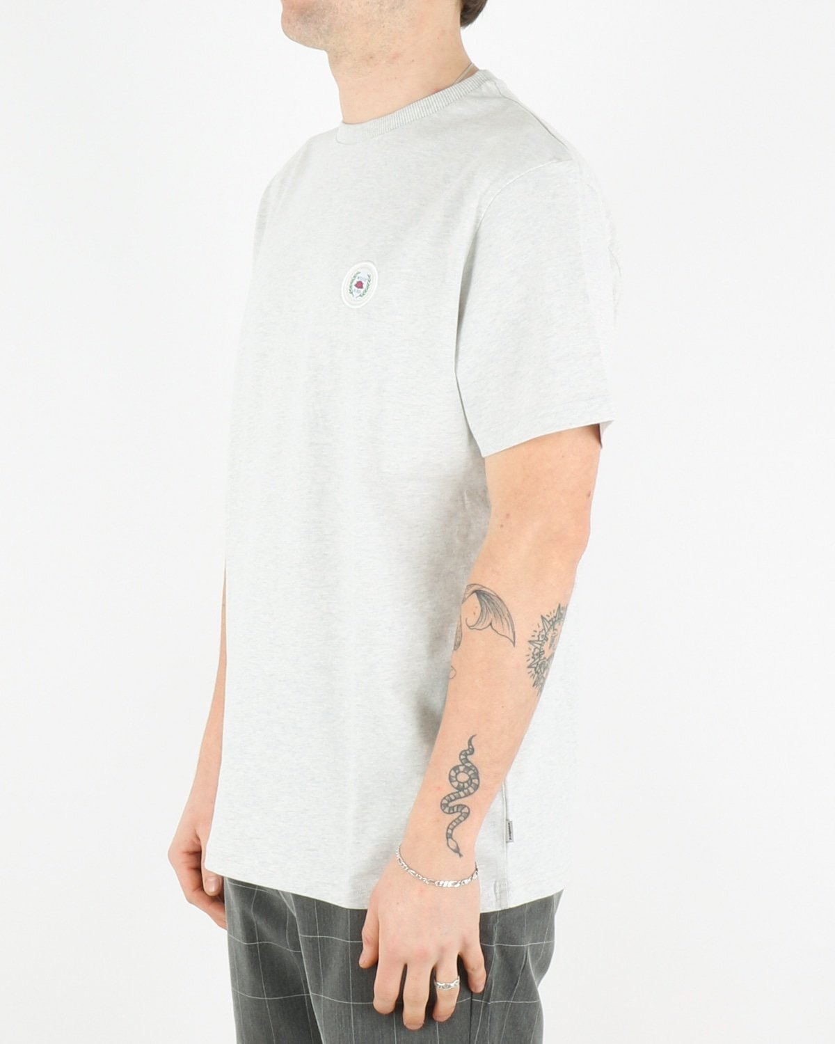 woodbird_our javis patch tee_snow melange_2_3