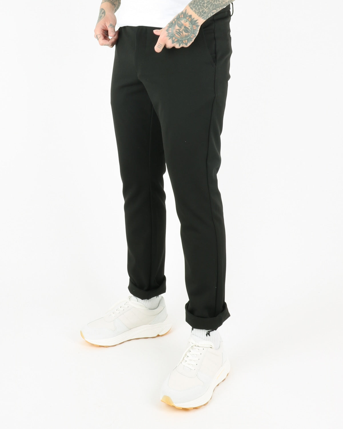 woodbird_steffen twill pants_black_view_2_3