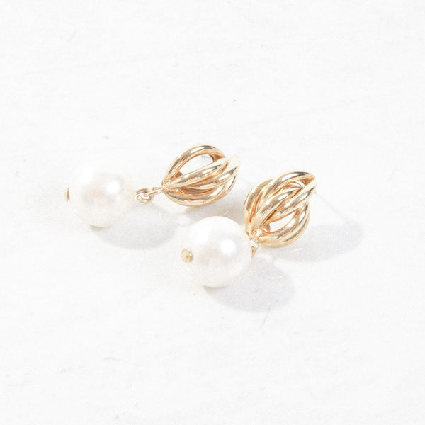 New Mermaid Vintage - 80's Unsigned Earrings - Cage + Pearl - 1
