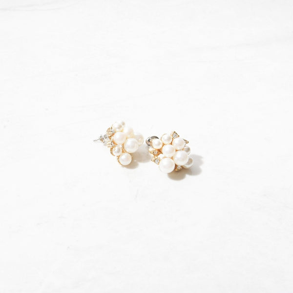 New Mermaid Vintage - 80's Unsigned Earrings - Pearl Bouquet - 1