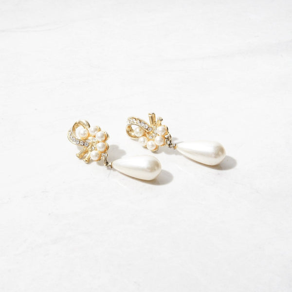 New Mermaid Vintage - 70's Unsigned Earrings - Pearl Party - 1