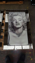 Load image into Gallery viewer, Marilyn Monroe Liquid Glass Wall Art with Mirrored Frame