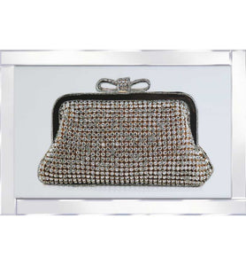 A spectacular design of a Diamante Purse with a Mirrored Frame. The design itself is beautifully rendered with Liquid Glitter. The modest proportion of the mirrored frame is suitable for most room sizes.