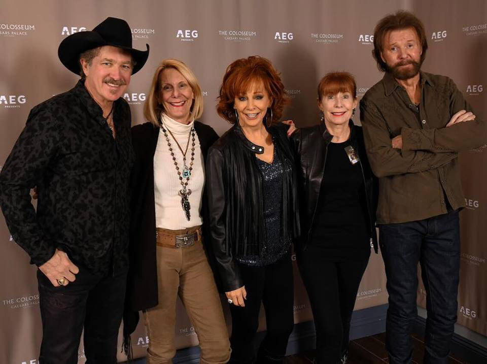 Brooks & Dunn, Reba McEntire and the Back at the Ranch girls