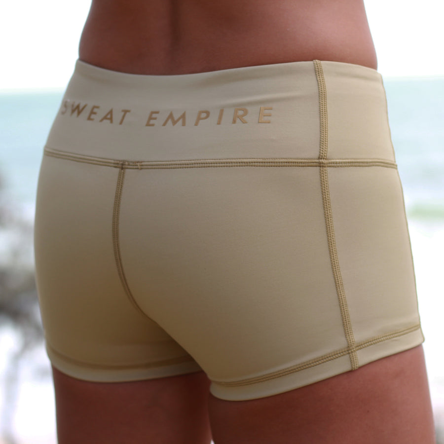 zbooty shorts tan front