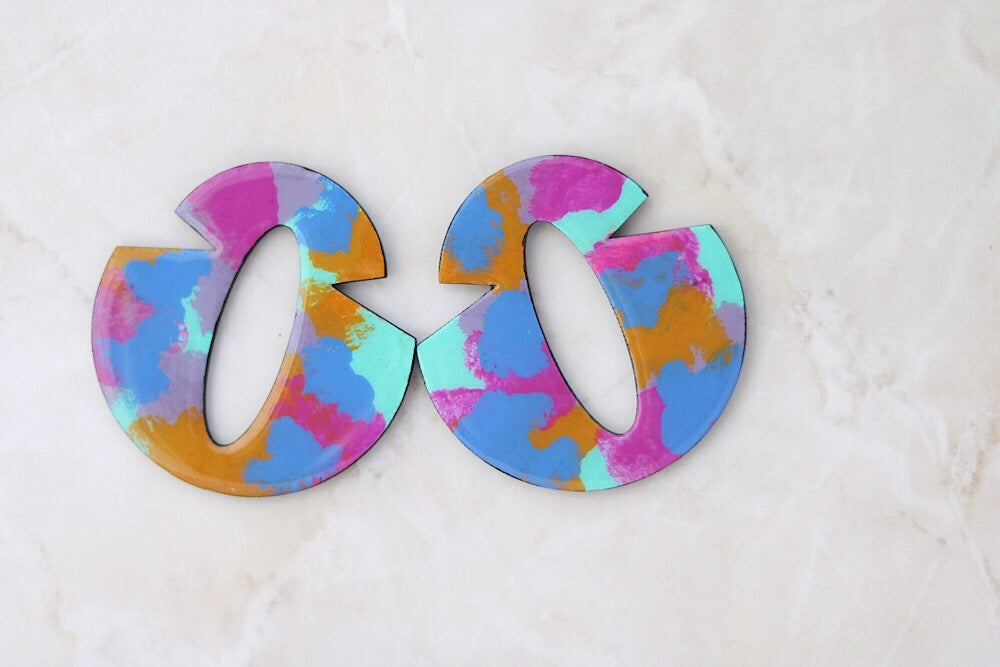 Wooden multi color earrings in indigo