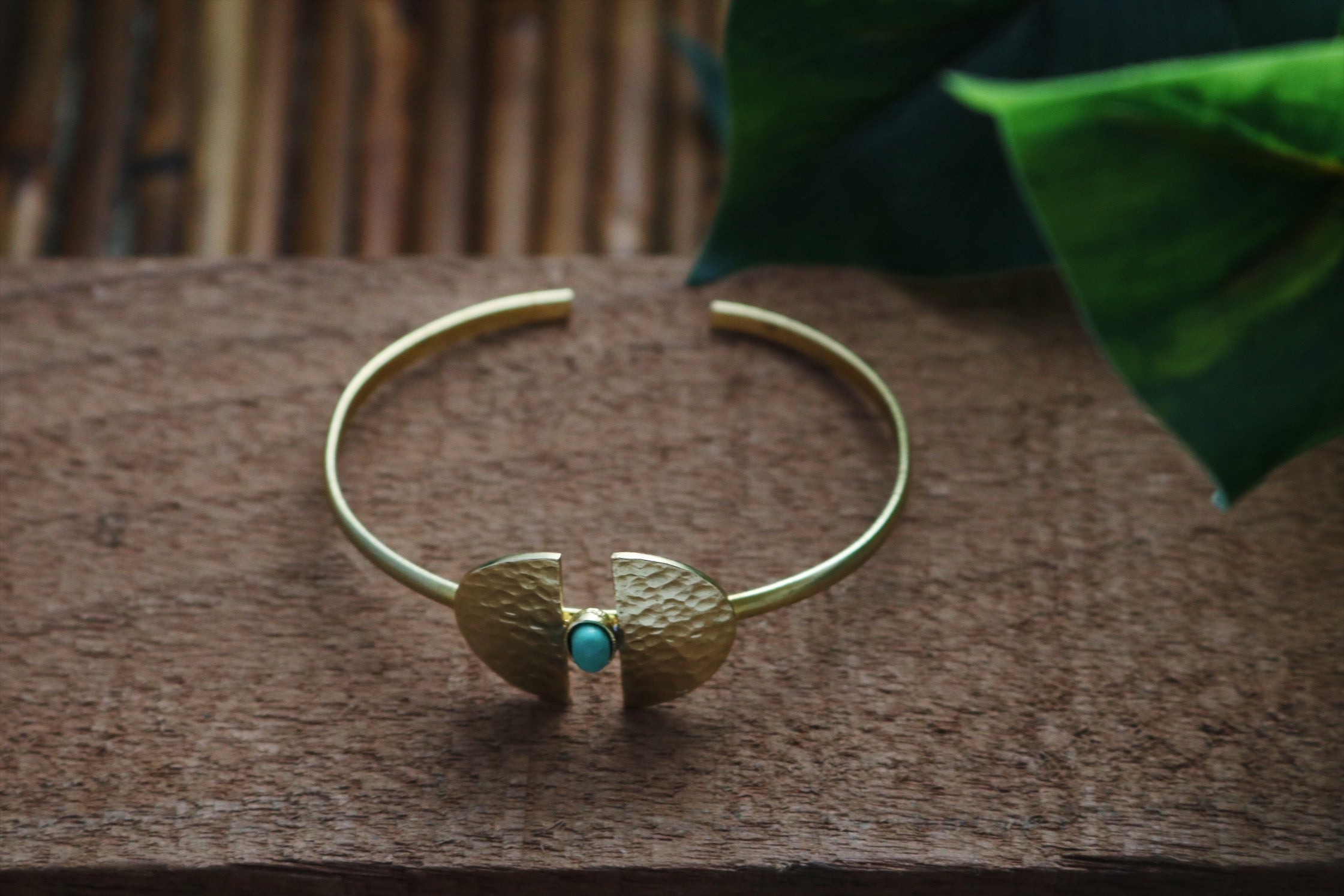 Brass bracelet with turquoise gemstone - Wild Child Dzigns