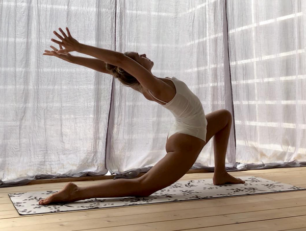 Beginners yoga class: for tight hips and hamstrings
