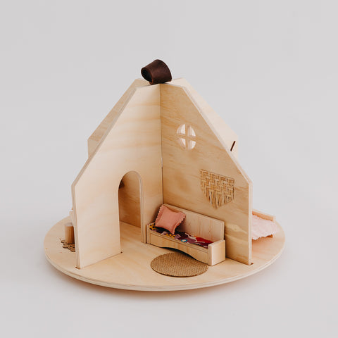 Wholesale Round House - Pretty in Pine