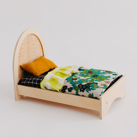 Wholesale Woven Dolly Bed - Pretty in Pine