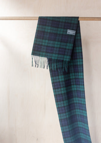 Lambswool Men's Scarf in Black Watch Tartan