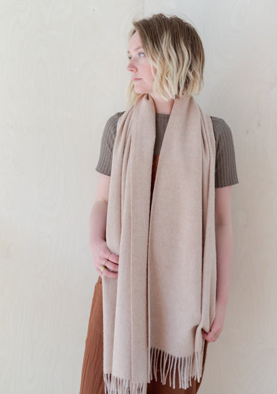 Lambswool Oversized Scarf in Sand Melange