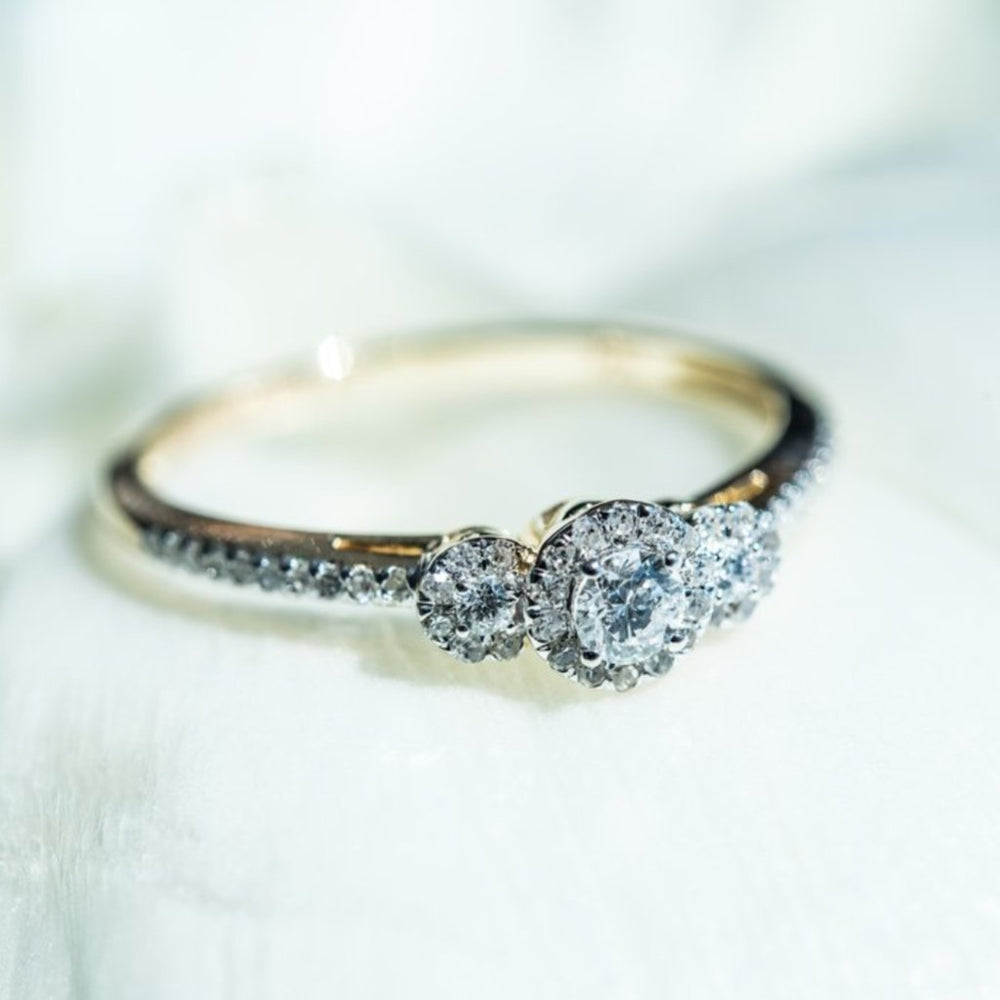 Engagement Ring With 1/4 Carat Tw Of Diamonds In 14Kt Yellow Gold