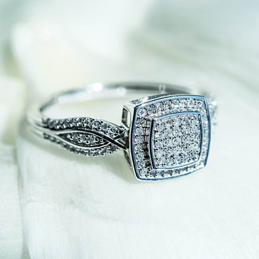 Engagement Ring With 1/4 Carat Tw Of Diamonds In 14Kt White Gold