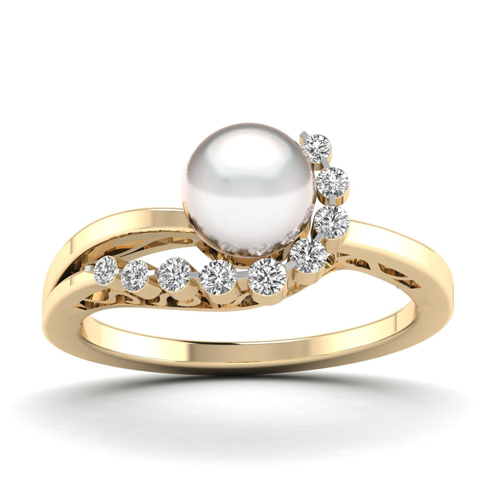 Freshwater Cultured Pearl and Diamond Ring with 0.15 ct Total Diamond Weight