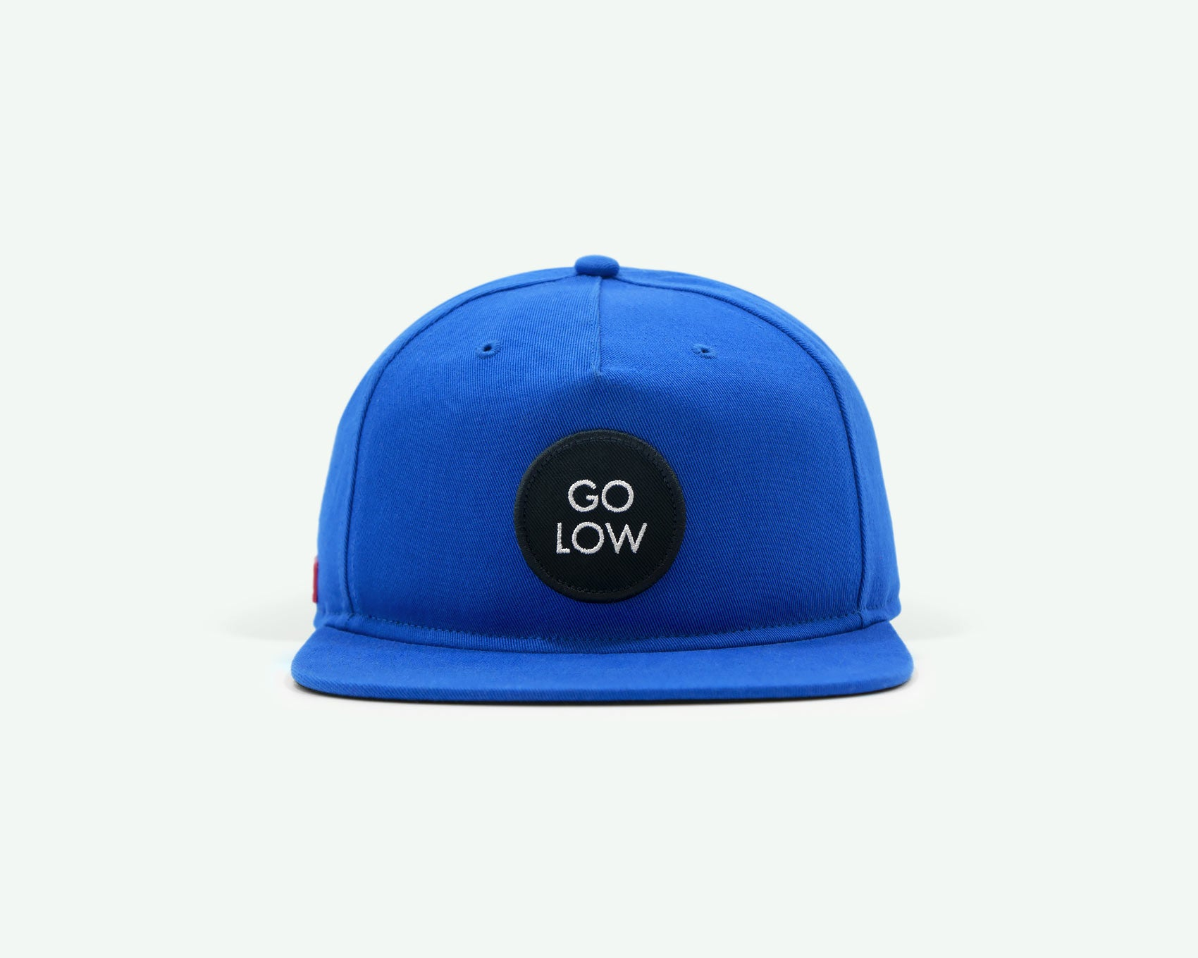 "109 ""Go Low"" Blue coloured Semi-structured flat brim 5-panel golf cap with black cotton strap, white buckle and an embroidery patch"