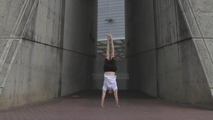 How to Do a Handstand Quickly - The Ultimate Handstand Training Plan