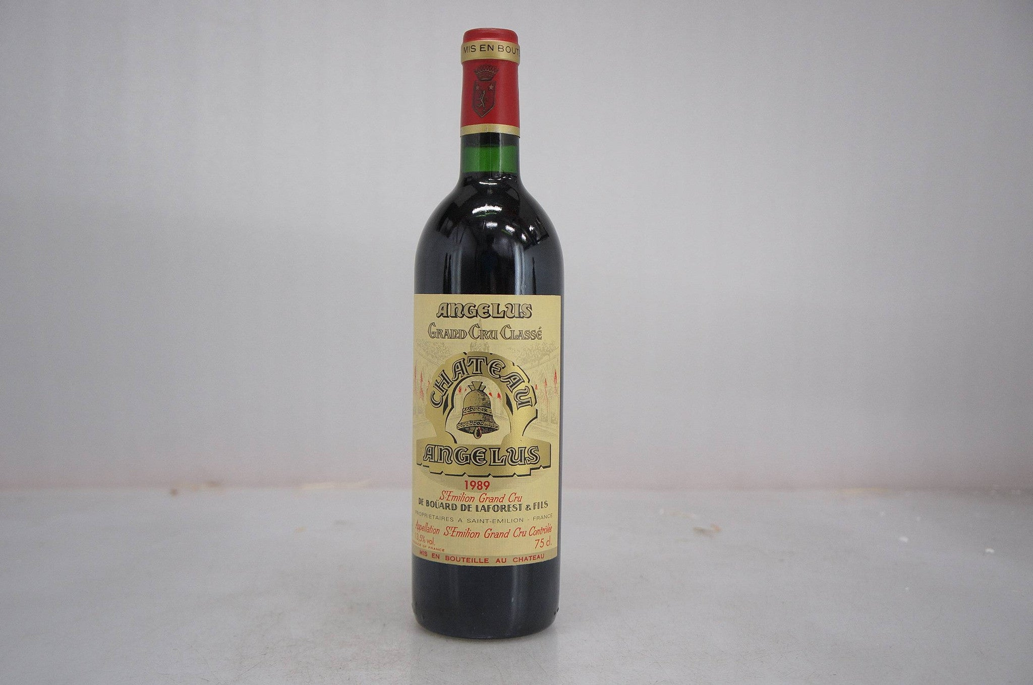 Chateau angelus 1989 ginsberg chan wine merchants asia for Chateau angelus