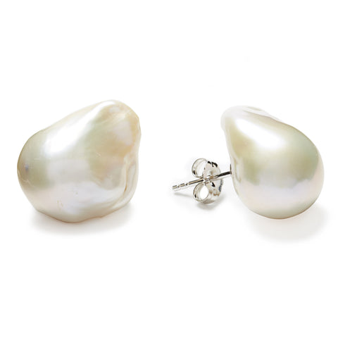 Baroque Stud Earrings - pearl