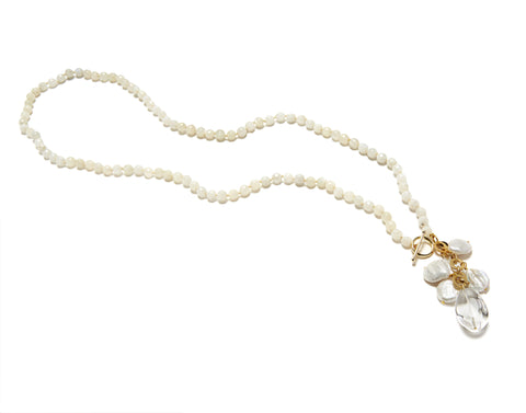 Ellinor Clasp Necklace - white/moonstone