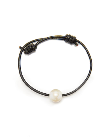 Victoria single pearl bracelet - black/white