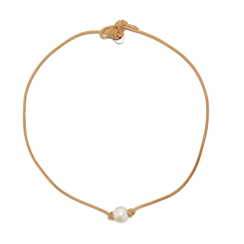 Victoria single pearl necklace - natural/white