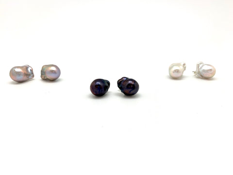 Baroque Stud Earrings - light grey pearl