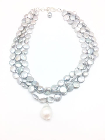 Karin necklace, light grey pearl