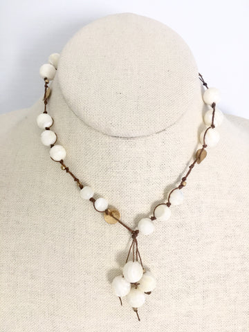 Carola Short Necklace - mother of pearl