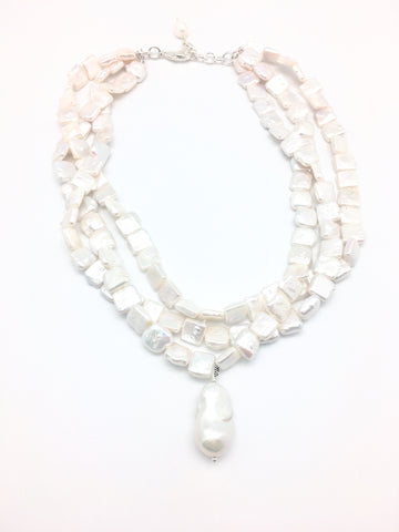 Karin necklace - white pearl