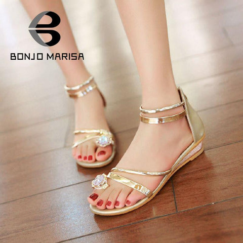 2016 Big Brand Rhinestone Flower Comfortable Women Casual Sandals Bohemia Style Low Wedges Zip Cover Heel Beach Shoes